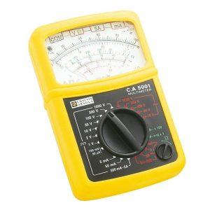 Comment utiliser un voltmètre analogique?